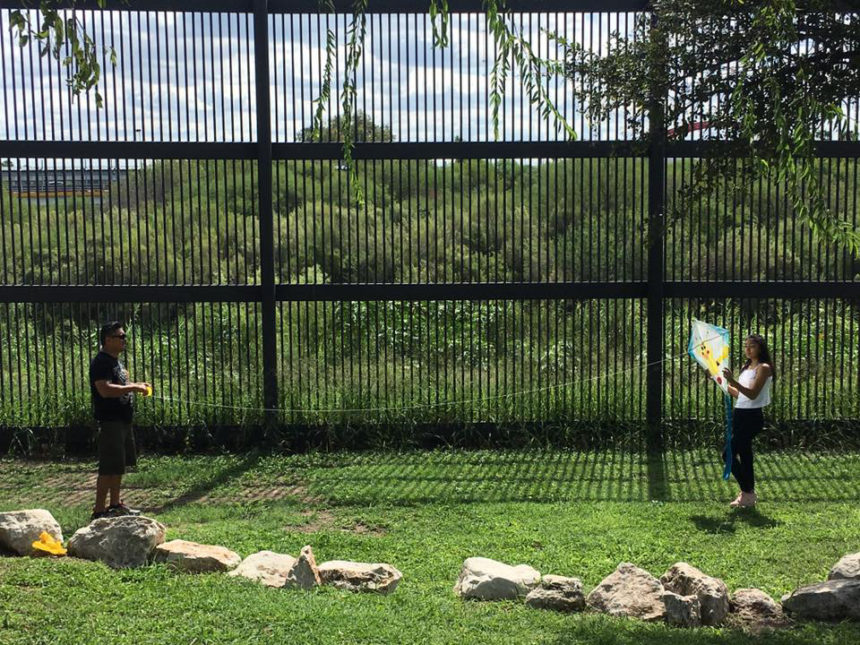 Kites Sin Fronteras, 2016. For this binational event kites were made and flown on both sides of the US/ Mexico border simultaneously. Created Project concept developed as part of Activating Vacancy Arts Incubator in collaboration with buildingcommunityWORKSHOP. Image: Celeste De Luna.